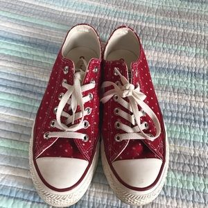 Rare converse low tops size 7
